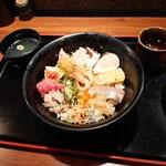 Totoichi - 海鮮丼 大(600円)2018年9月