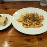 92704950 - パン&鰹とトマトソースのショートパスタ