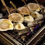 あぶり渋屋 - ホタテ&サザエの壺焼き@浜焼きコース