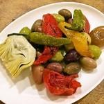 オリーブと野菜のマリネ