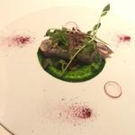ル・モノポール - 長崎県五島列島炙りサワラのマリネ 春菊のソース ビーツの粉