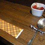 トリッペリア トリッパ - ランチのテーブルセッティング。スプーン置きが犬型でした♪