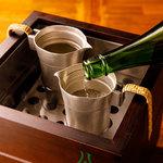 酒亭赤坂かねさく - 燗酒。1本1本丁寧におつけいたします。