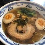 麺や暁 - 料理写真:塩ラーメン 味玉入り  820円