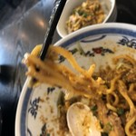 麺や暁 - 太麺リフト
