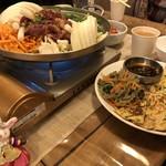 92720007 - プルコギ鍋と副菜のチヂミ&チャプチェ
