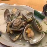 浜の玄太丸 - 貝の3種のガーリックバターソテー