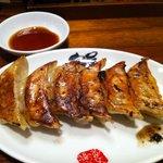 熟成細麺 宝屋 - 焼き餃子(6個)…280円