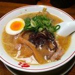 熟成細麺 宝屋 - 宝ラーメン(650円)