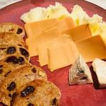 おもしろチーズの盛り合わせ