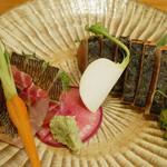 京・ちゃぶ屋ばるJo-Jo - (撮影 20180611)藁で炙って塩でいただく鰹のたたきはいつも美味しい。