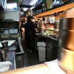 麺工 豊潤亭 - 厨房