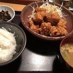 やまや - 料理写真:鶏の唐揚げ定食
