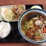 らいもん - 料理写真:とろみらいもん麺+しょうが焼きセット