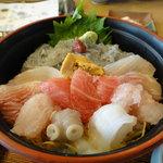 9275330 - 海鮮丼