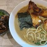 麺ガレージ 肉ヲ見ル - 特濃煮干しそば 800円、ミニチャーシュー丼 200円