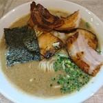 麺ガレージ 肉ヲ見ル - 特濃煮干しそば 800円