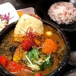 スープカレーと季節野菜ダイニング 彩 - チーズのせハンバーグスープカレー