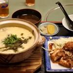 ぼて - 本日のランチは、鶏雑炊と網焼きハーフで¥700税込