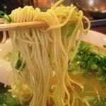 光屋 - 今治でも屈指の製麺所篠崎製麺作製の麺