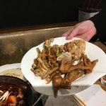 瑶家 内モンゴルしゃぶしゃぶ - 鶏の唐揚げ、ニワトリの足、豚耳の炒めたもの