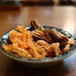 たか - 筍と人参のきんぴら、ぜんまいと豆もやしの和え物