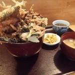 味処 旬風 - 天丼(1080円)180°回転