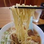 大勝軒 - 麺リフトアップ