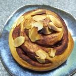 パン ラドロン - 料理写真:シナモンロール