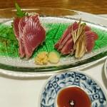 囲炉裏焼と蕎麦の店 うえ田 - 宮城県産鰹(皮なし)