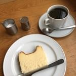 92773688 - チーズケーキとコーヒー