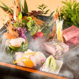旬鮮魚使用!刺身盛り合わせ箱盛り