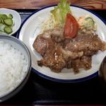 亀鶴食堂 - ガーリック焼定食900円