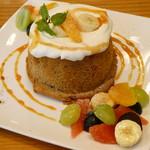 カフェ ミエンチ - 紅茶のシフォンケーキ (カスタード)