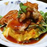 バグース - 料理写真:アジアンフライドチキンオムライス