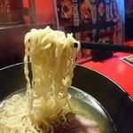 九龍 - 麺は縮れ