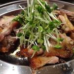 骨付丸亀鳥 - 料理写真: