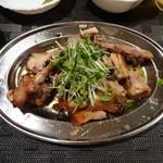 骨付丸亀鳥 - 骨付鳥 親鳥 ¥850(税抜)