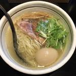 麺屋 焔 - 料理写真:味玉塩らぁめん 780円