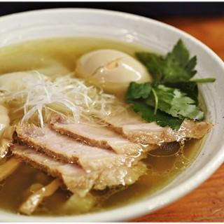 純手打ち 麺と未来 - 料理写真:特製塩らーめん 980円 淡麗かつ味に厚みのある塩ラーメンです。