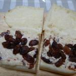 レフボン - ラムレーズンのコッペパン