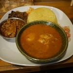 カレーや デッカオ - 本日の全種類カレー、ビネガーポーク
