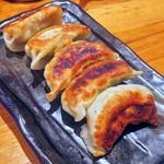 三是食堂 かつどころ - 林さんの手作り餃子¥330