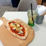 PIZZA 9丁目 - 料理写真:マルゲリータモーニングセット500円