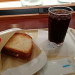 ドトールコーヒーショップ - 朝カフェ・セットBあつあつハムチーズです。(2018年9月)
