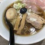 らーめん つけめん 虎テツ - 料理写真:丸鶏中華そば味玉のせ 850円