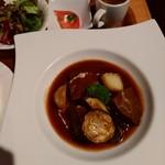 92806422 - [ぜいたくランチ]国産牛ホホ肉の赤ワイン煮の右側