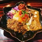 バガワーン・カレー - 3種あいがけカレー   鶏キーマ・鯖カレ・豆腐と鯖カレーに、半熟玉子トッピングです。野菜もシャキシャキたわ(^O^)