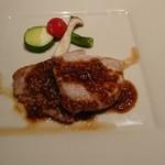 Tapas - メイン(豚肉とシャリアピンソース)