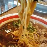 ちゃんぽん亭総本家 - 麺は中加水中太ストレート